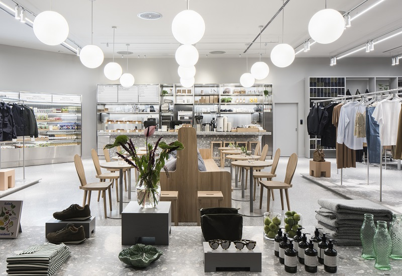 405f35413e2f ARKETs bituk i Københavns Lufthavn kombinerer café og butik med særligt  henblik på de rejsendes behov