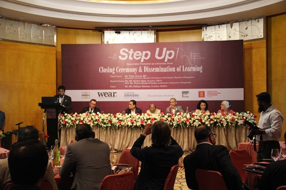 Den 12. november afholdt man en stor aflsutningsevent for Step Up-projektet på Westin Hotel i Dhaka.